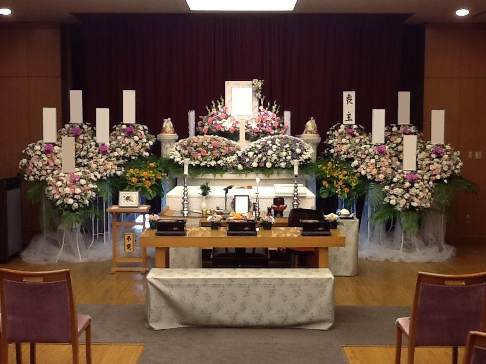 府中の森市民聖苑第四式場花祭壇施行例