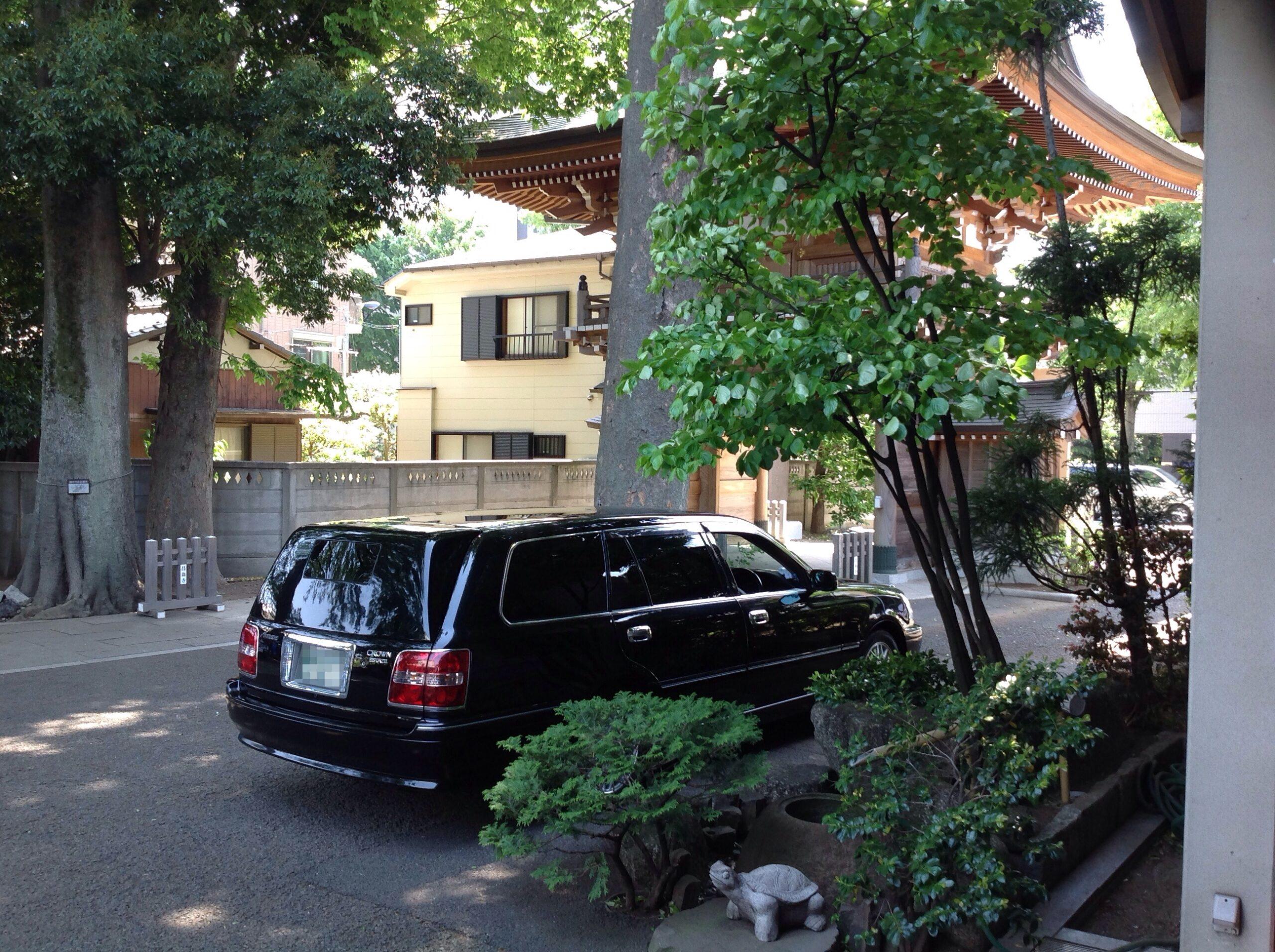 昌翁寺霊柩車位置